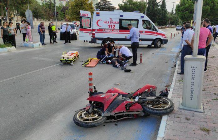 Motosikletiyle kaza yapan liseli yaralandı