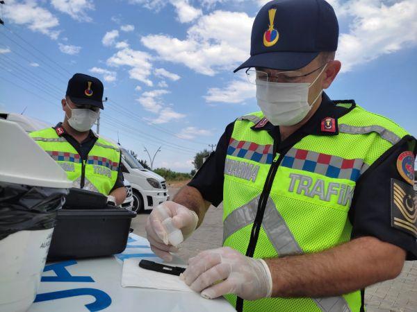Antalya'daki uygulamada okul servis şoförünün uyuşturucu testi pozitif çıktı