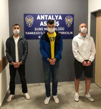 Kiraladıkları aracı sahte belgeyle satıp, çalan 3 şüpheli tutuklandı