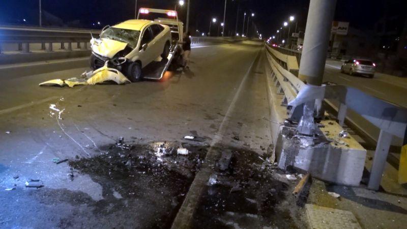 Otostopla bindiği otomobilin kaza yapmasıyla öldü; 2 de ağır yaralı