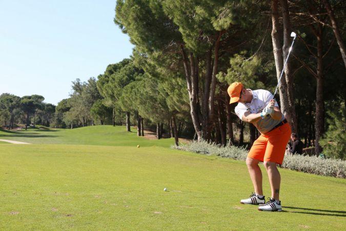 Antalya, golf tutkunu İngilizleri bekliyor