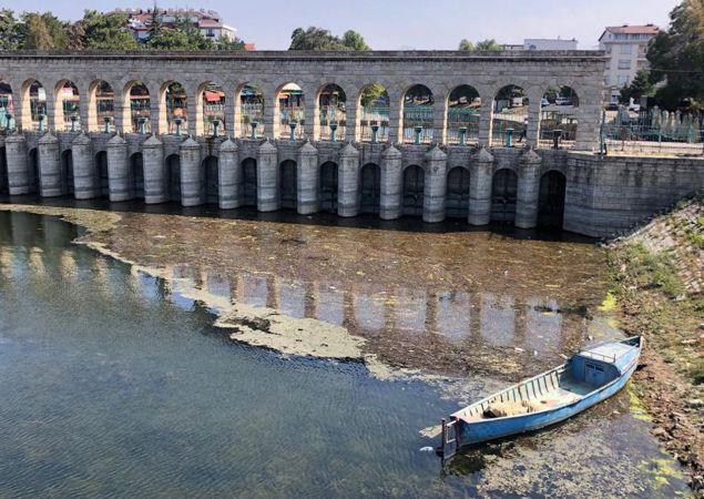 Onlarca canlının yaşam alanı sazlıklar, Beyşehir Gölü'nü koruma adına kesildi