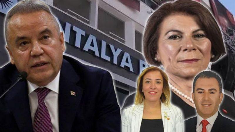 Gazeteci Demirel: Başkan Böcek kulağının üstüne yatıyor