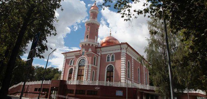 Belarus'taki Minsk Camii İbadete Açılıyor