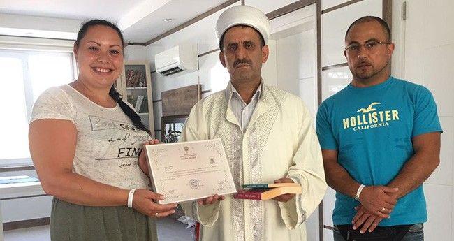 Türkiye'deki Tatilinde Müslüman Oldu