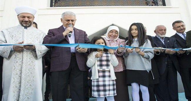 Amine Hatun Camii Dualarla İbadete Açıldı
