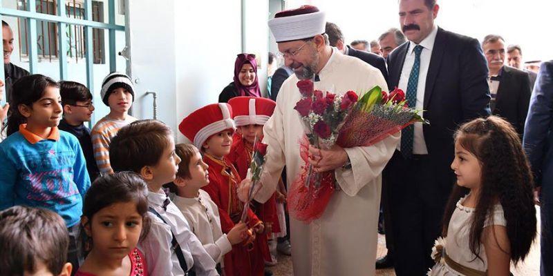 Başkan Erbaş'tan Türk Okuluna Ziyaret