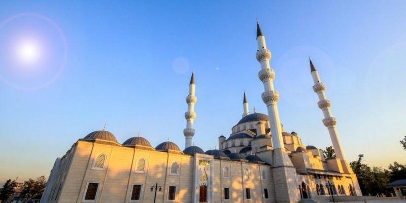 Orta Asya'nın En Büyük Camisi İbadete Açılıyor
