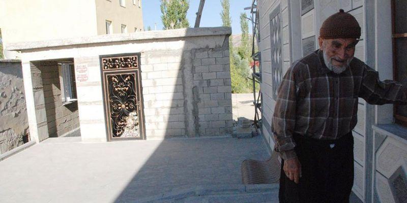 Borcu Olan Cami Hayırseverleri Bekliyor