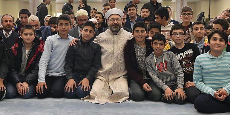 İslam Davası Bizim Üzerimizde Emanet