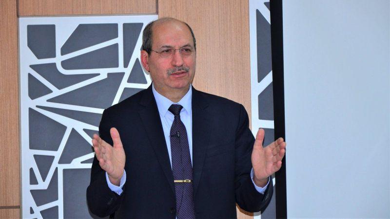 Dr. Muhlis Akar
