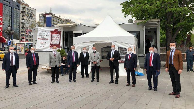 Ankara'da din görevlileri, kan bağışı yaptı