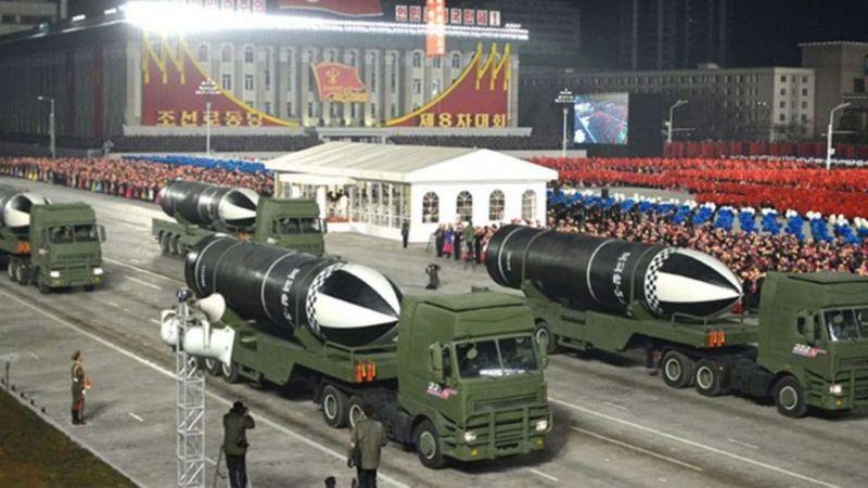 Kuzey Kore'den balistik füze sergisi