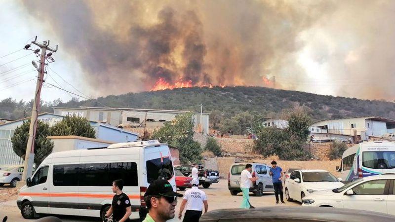 Türkiye alev alev yanıyor