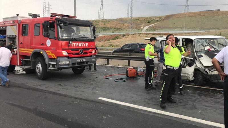 Zincirleme kaza İstanbul yönünü kapattı