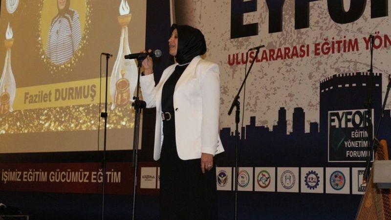 Sakarya Milli Eğitim Müdürü Fazilet Durmuş'a Yılın Yöneticisi Ödülü