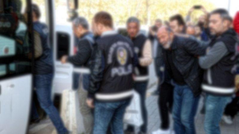 Akyazı'da fareler polis kapanına kısıldı