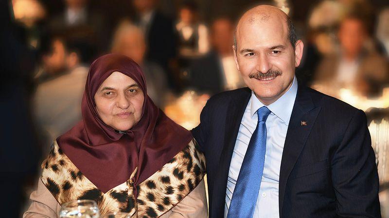 Süleyman Soylu ve annesi