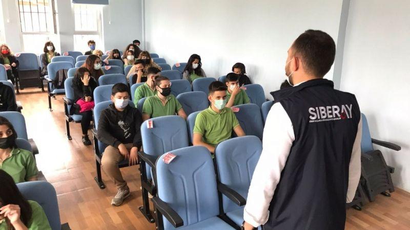 Emniyetten okullara siber seminer