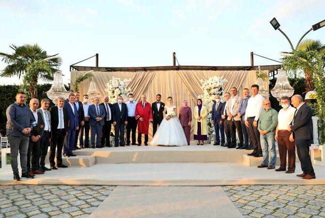 Sakarya'da siyaset ve iş dünyasını buluşturan düğün