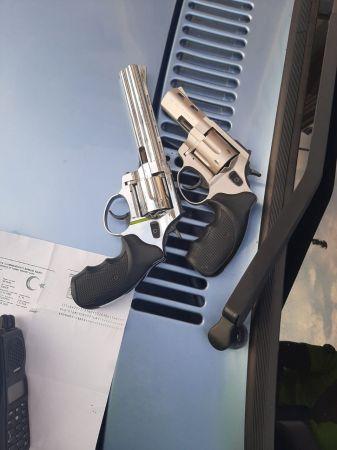 Trafik uygulamasında bir kişi 2 silahla yakalandı