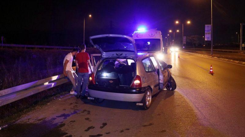 Kaza yapan alkollü sürücü gazetecilere saldırdı