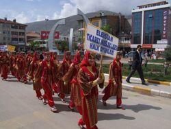 Öğrenciler Turizm İçin Yürüdüler