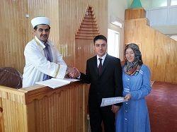 Dini nikah için camiyi seçiyorlar