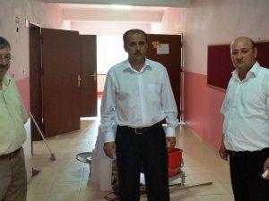 Nurhak'ta okullar bakımdan geçti