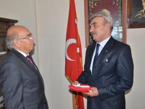 MHP'de devir teslim yaşandı