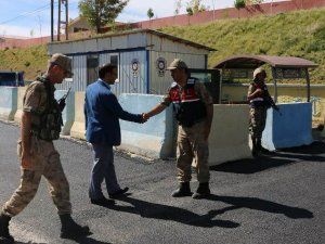 Kaymakam Sayar'dan uygulama yapan polis ve jandarma ekiplerine ziyaret