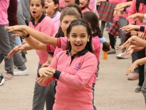 El Yıkamanın Önemini Bin 200 Öğrenci Dans Ederek Gösterdi