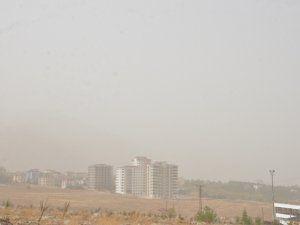 Toz bulutu Elbistan'da etkili oldu