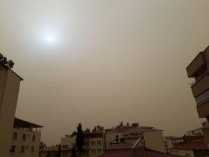 Toz Bulutu Pazarcık İlçesini De Esir Aldı