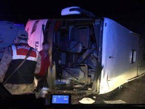 Kahramanmaraş'ta yolcu otobüsü devrildi: 7 ölü, 24 yaralı
