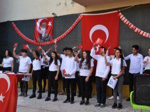 Özel Batı Anadolu Lisesi'nden 29 Ekim programı