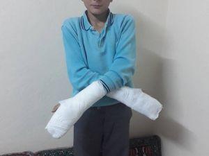 Müdürün Okuldan Kaçtı Diye Öğrencinin Parmaklarını Kırdığı İddiası