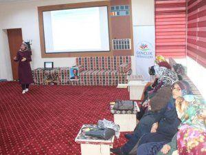 """Gençlik Merkezi'nde """"Kadına Yönelik Şiddet Eğitimi"""""""