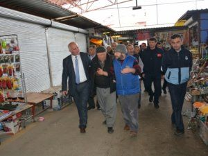 Başkan Vekili Tıraş, açık pazar esnafını ziyaret etti