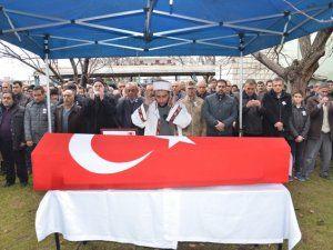 Kalbine yenilen düşen emekli başçavuş askeri törenle defnedildi