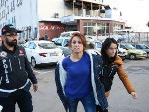 Uyuşturucu Satmaktan Tutuklanan Kadının Gözyaşları