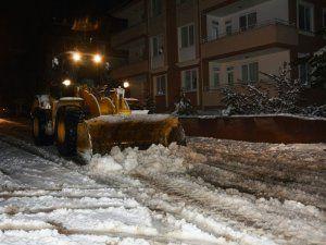 Elbistan'da kar temizleme çalışmaları sürüyor