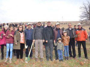 Elbistan Belediyesi 'Benim de Bir Dikili Ağacım Olsun' projesini başlattı