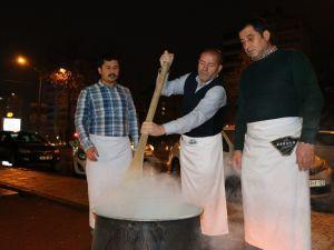 Kahramanmaraş'ta Sıcak Salep İkramı