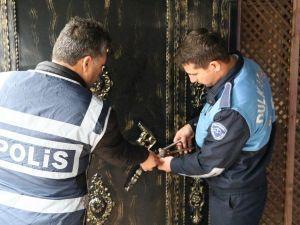 Kahramanmaraş'ta Kumar Oynatılan 2 Kahvehane Kapatıldı