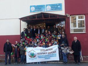 Kahramanmaraş'ta 500 Öğrenciye Kışlık Kıyafet Dağıtıldı