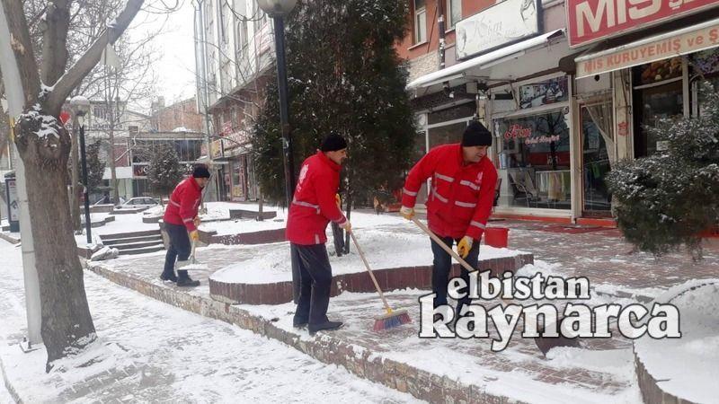 Elbistan Belediyesi, karla mücadele ekibi teyakkuza geçti