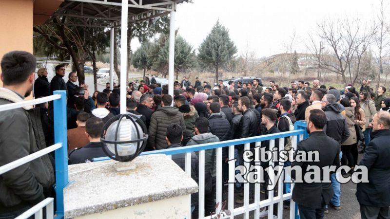 Kahramanmaraş'ta üniversite öğrencileri binalarının risk taşıdığı iddiasıyla eylem yaptı