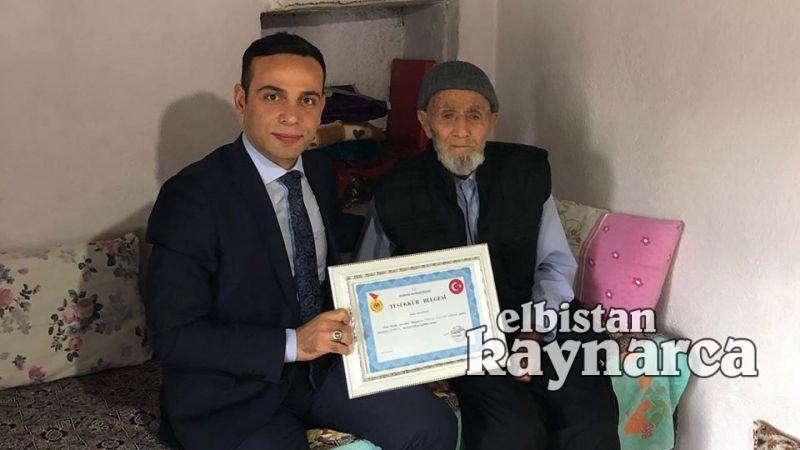 Hasan Dede'ye Kaymakam Koç'tan teşekkür belgesi