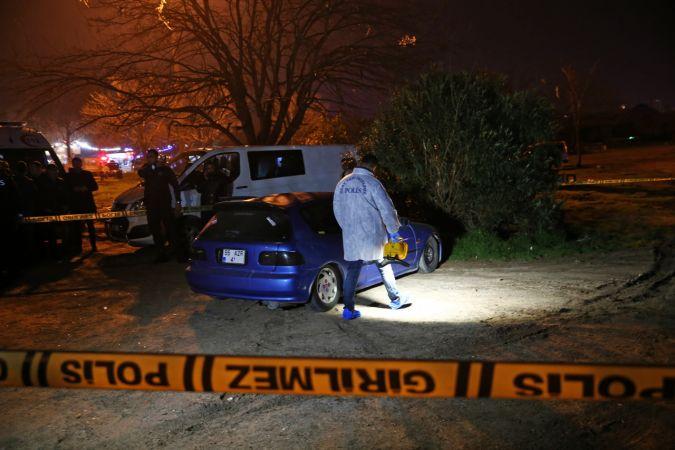 Adana'da bir gündür haber alınamayan genç aracında ölü bulundu